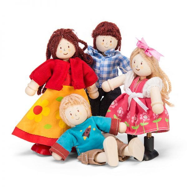 p051-doll-family-group
